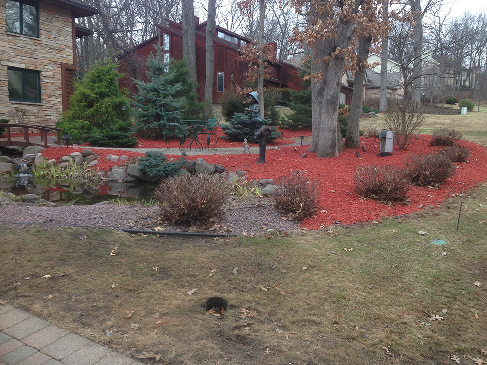 Red Mulch - Landscaping