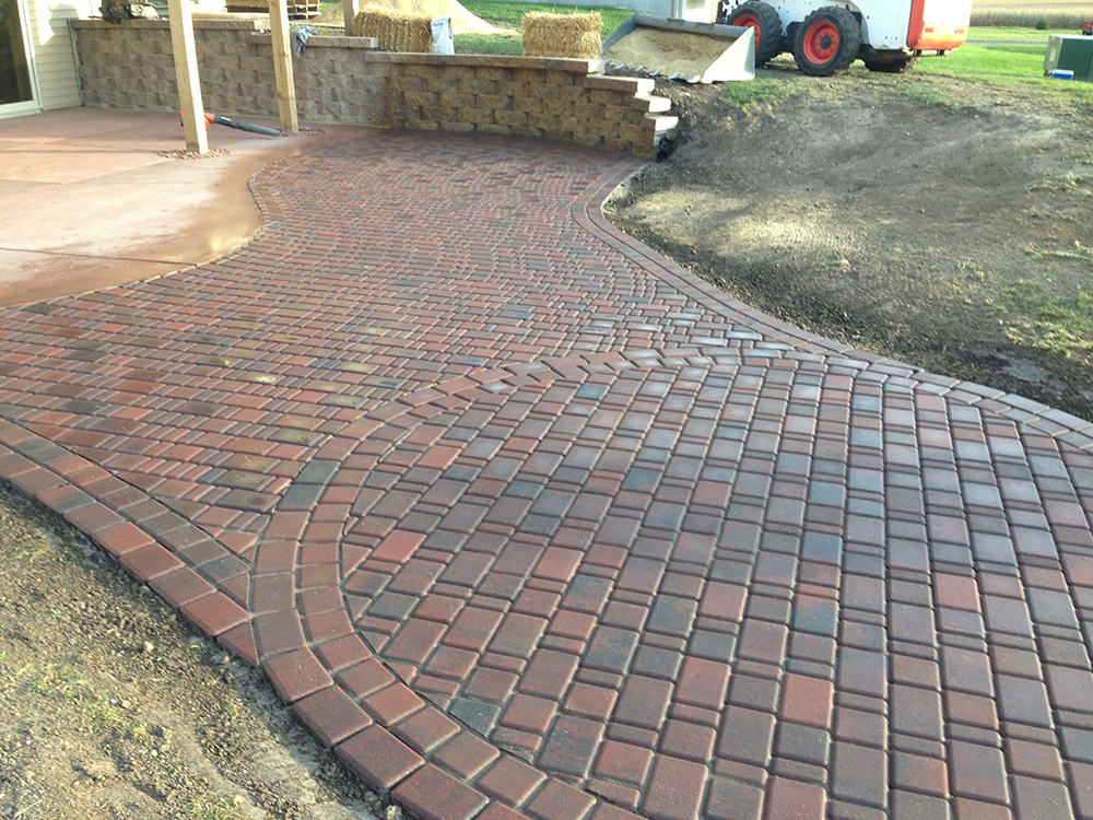 Rounded bLrick patio